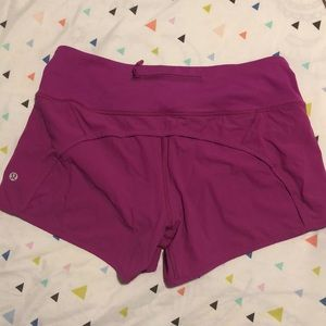 lululemon speed up shorts size 6 LIKE NEW